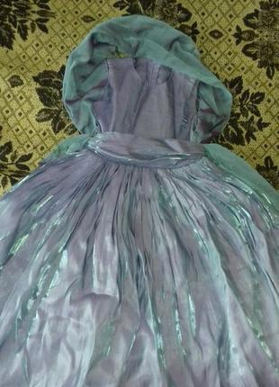 Нарядное платье на 3-4 года.