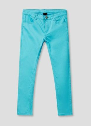 Отличные джинсики для маленькой девочки.