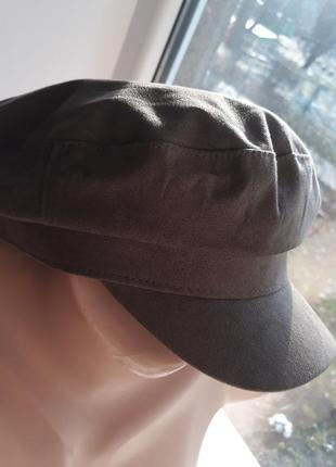 Стильная женская кепка h&m