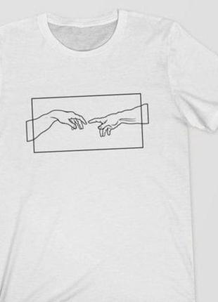 Красивая футболка с росписью красками рисунок не принт минимализм силуэт сотворение адама