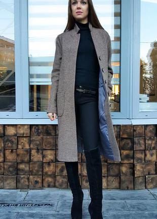 Пальто твидовое прямого кроя на зиму