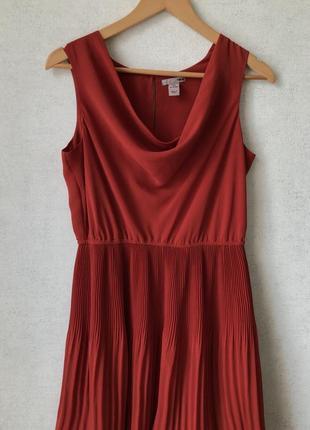 Роскошное плиссированное платье h&m