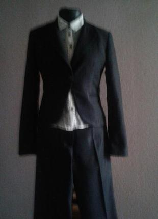 Деловой костюм размер 10