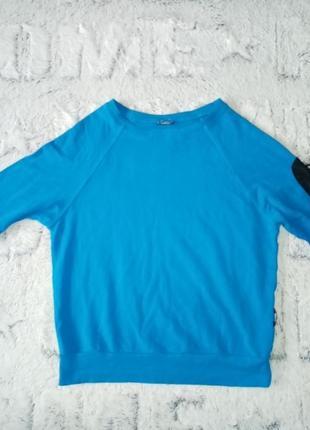 Красивый синий свитшот