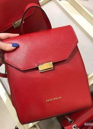 Красный кожаный рюкзак coccinelle