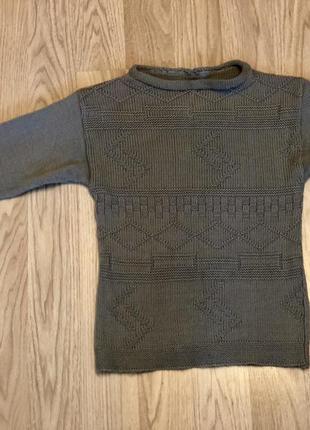 Стильный серый свитер