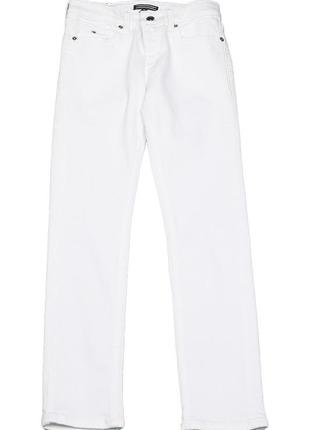 Белоснежные джинсы tommy hilfiger прямого кроя. штаны