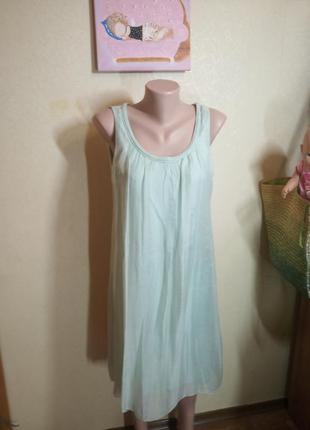 Свободное платье цвета мяты