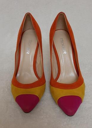 Яркие туфли лодочки фирмы mixer p.36 стелька 23-23,5 см