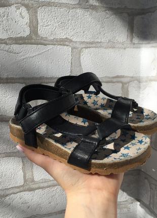 Босоножки, сандалии с кожаной стелькой