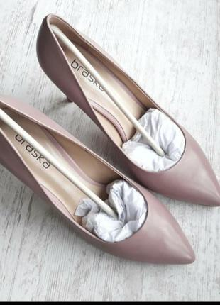 Пудровые, тёмно-розовые(бежевые) кожаные туфли лодочки на шпильке от braska