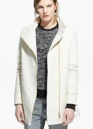 Пальто с асимметричной молнией mango