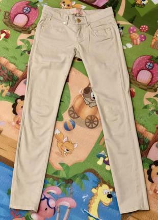 Стильные джинсы светлые