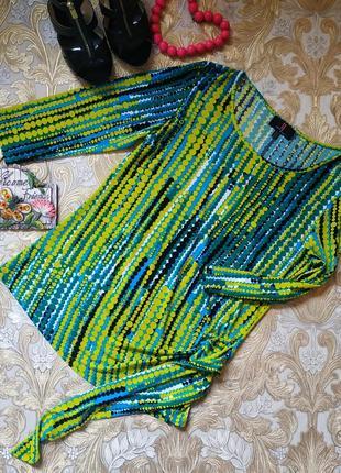 Яркая,нарядная блуза. на бирке- 14 р-р(48)
