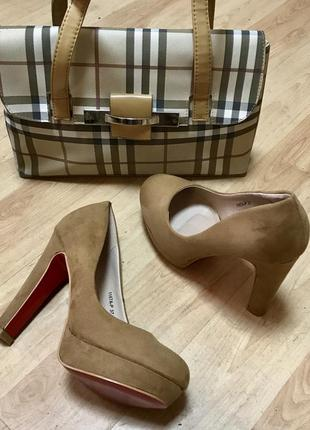 Туфли замшевые с красной подошвой (англия)