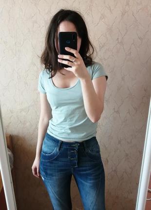 Джинсы скинни слим с потертостями и рваностями джинси скінні слім