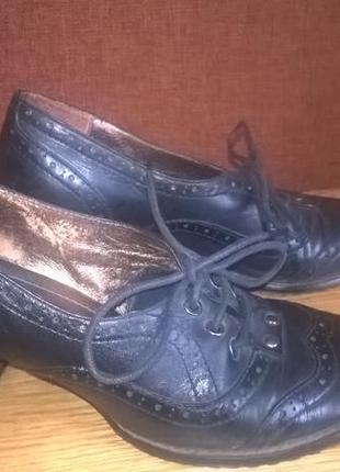 Туфли на шнурках кожаные
