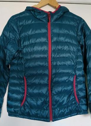 Яркая пуховая куртка с капюшоном ultra light двухцветная, must have / м/topvalu/япония