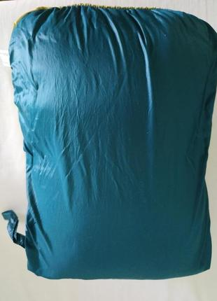 Яркая пуховая куртка с капюшоном ultra light двухцветная, must have / м/topvalu/япония7 фото