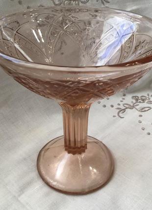 Креманка карамельное марганцевое стекло винтаж