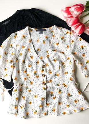 Актуальная блуза с воланами в цветочный принт