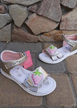 Нарядные босоножки для девочек tomm