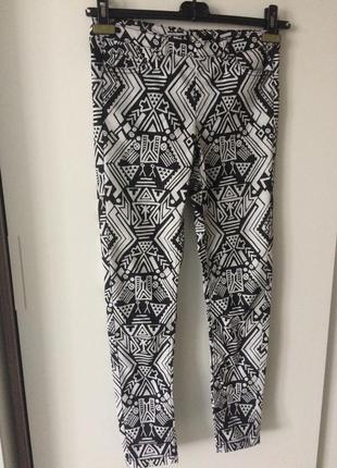 Модный штанишки нестандартной расцветки
