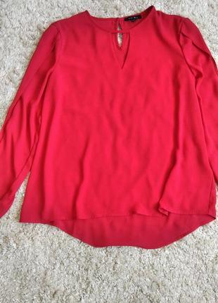 Блуза с разрешения ами на рукавах