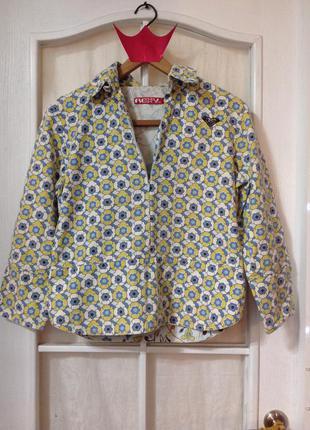 Очень красивая курточка от знаменитого бренда