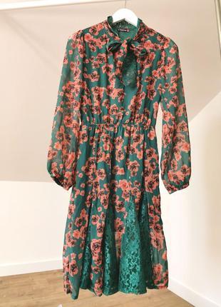 Шифоновое миди платье в розы