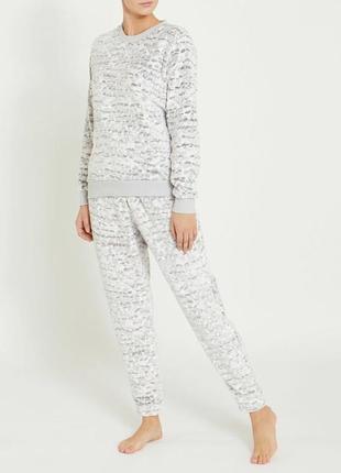 Флисовая пижамка от dunnes stores из англии. размер s.m акция!