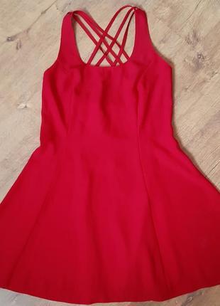 Шикарное красное платье lella of london