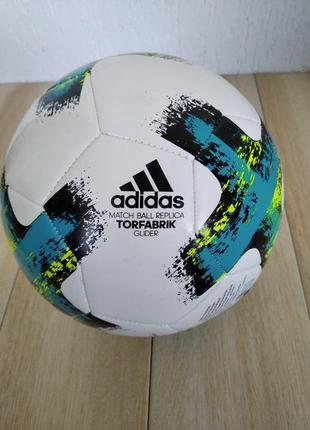 Футбольний м'яч  adidas torfabrik bundesliga glider r.5 bs3503