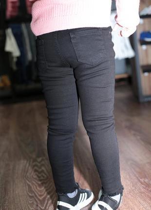 Детские чёрные джинсы3 фото