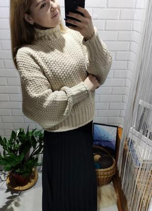 Актуальный свитер под горло с объемными рукавами от hm с последних коллекций