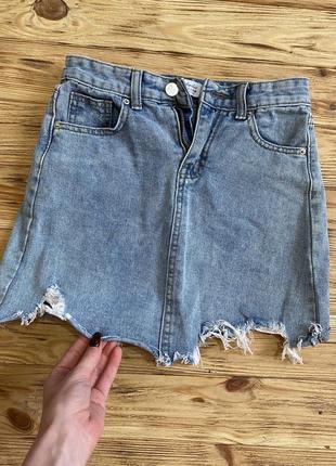 Классная джинсовая юбка с рваностями2 фото