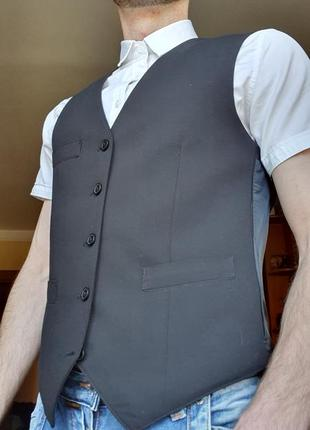 Жилет на гудзики чорний класичний костюмний / на пуговицы черный классический костюмный
