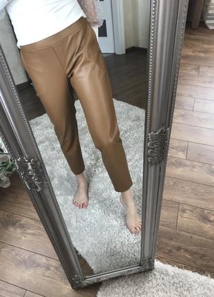 Штани шкіряні в асортименті