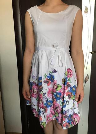 Сукня {платье, сарафан}
