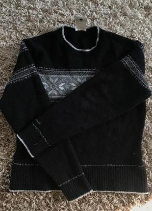 Шерстяной свитер с орнаментом