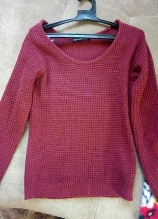 Легенький в'язаний светр