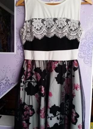 Дуже гарне, ніжне плаття з орхідеями