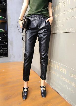 Актуальные, кожаные брюки, повседневные свободные штаны из искусственной кожи, на резинке