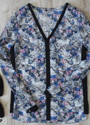 Блуза с бабочками и цветами