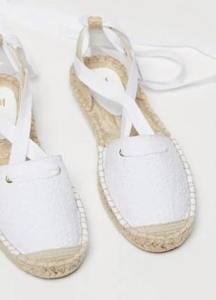 Женские белые босоножки - эспадрильи