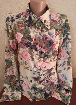 Блуза в цветочный принт love