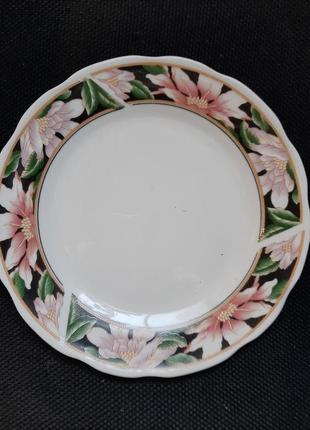 Тарелка мелкая,6 штук