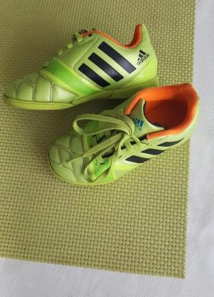Спортивные кеды adidas 28,5 р.
