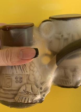 Турка с чашками