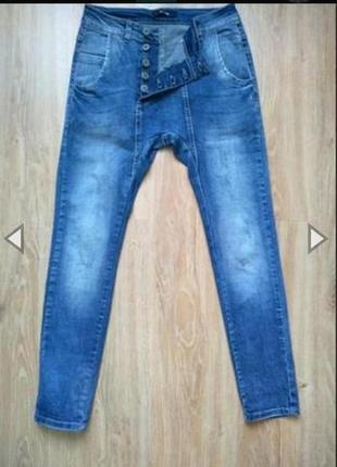 Крутые стильные джинсы